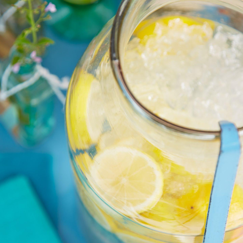Rezepte: Getränke mit Zitrone