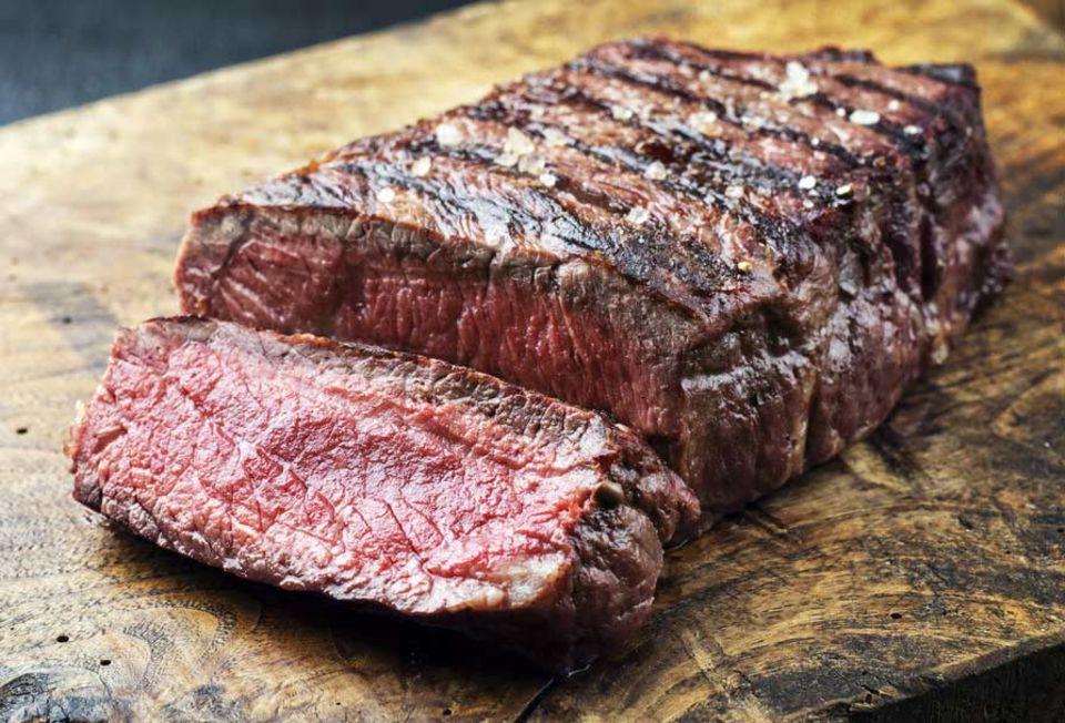 Wunderbar aromatisches Steak: zart rosa, innen saftig und außen knusprig
