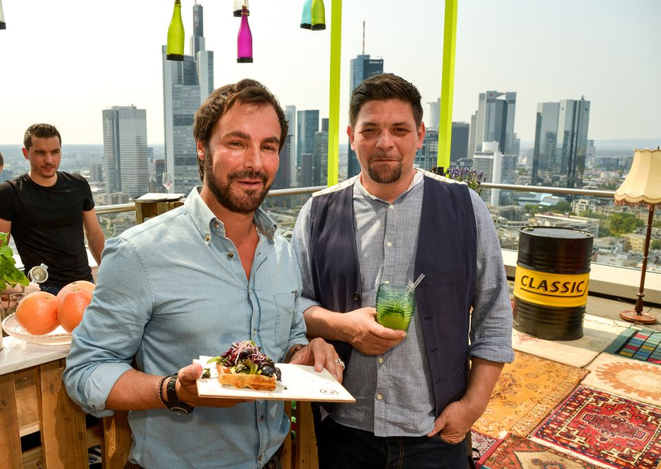 Laden zum Pret A Diner ein: KP Kofler (links) und Tim Mälzer
