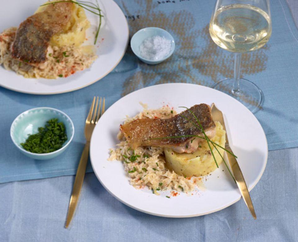 Auch zum gebratenen Karpfen passt Sauerkraut