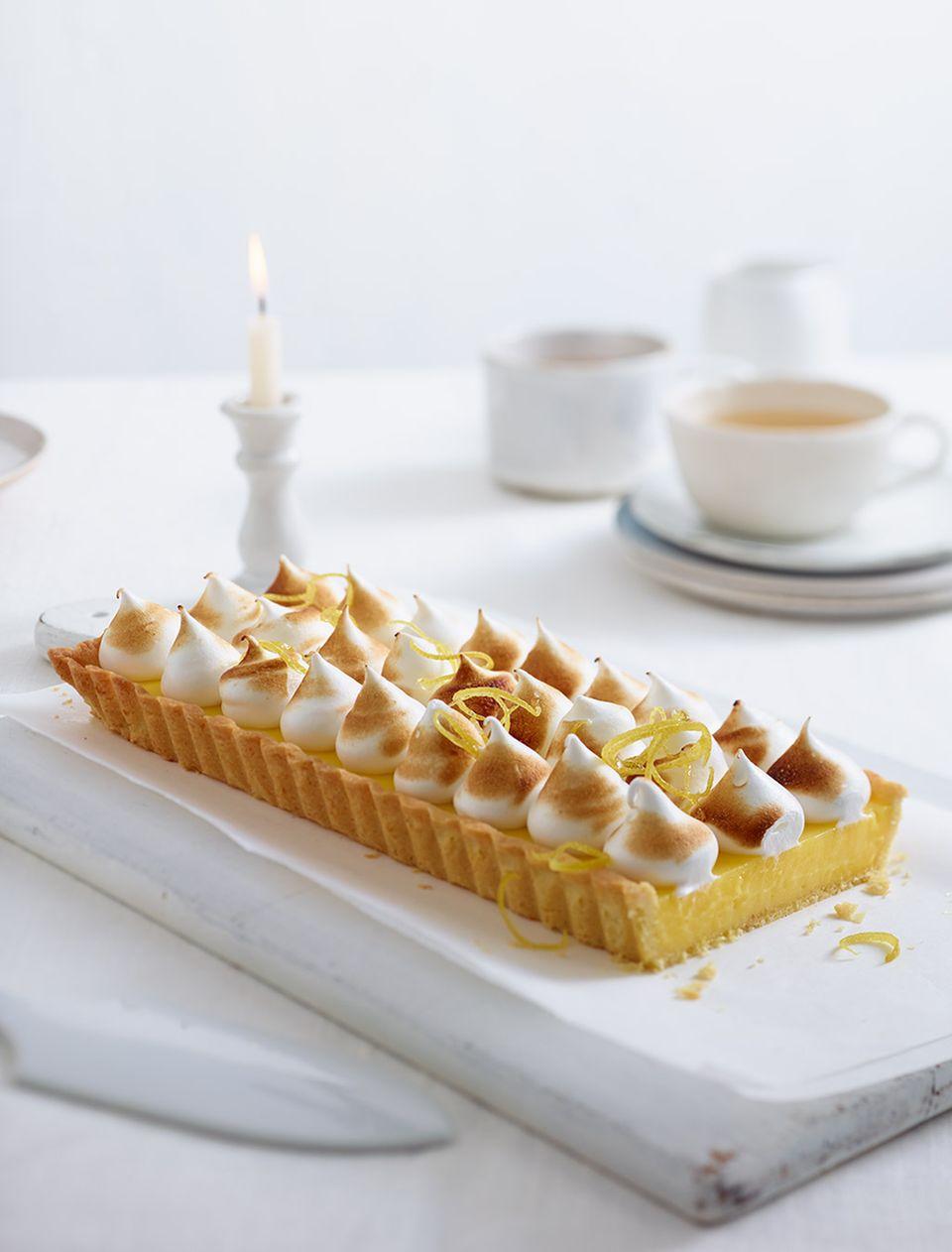Auch die Süßen lieben Ei: im Kuchenteig, der Creme und der Baiserhaube der Tarte au citron