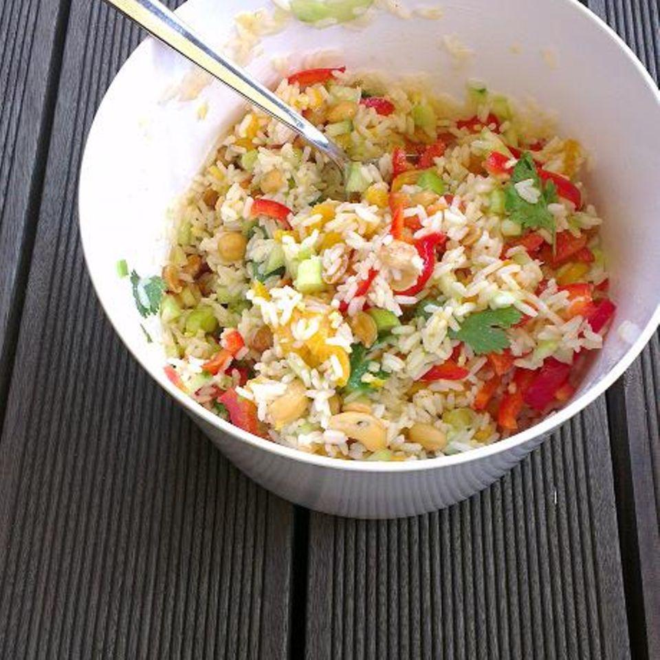 Reissalat mit Ingwer-Honig-Dressing