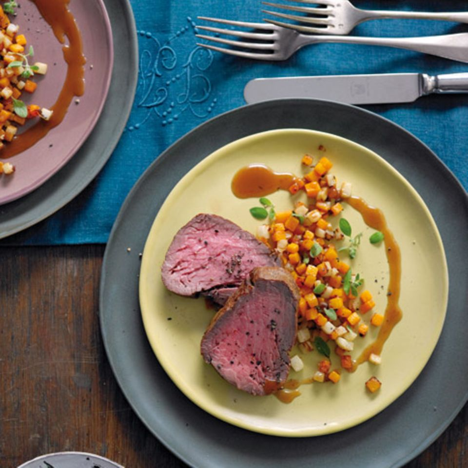 Geräuchertes Rinderfilet mit Verjus-Sauce
