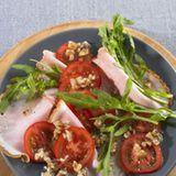 Salat mit Walnuss-Vinaigrette