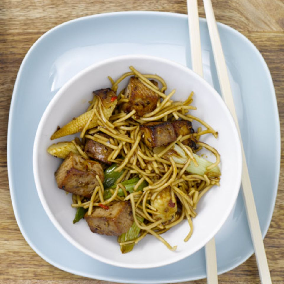 Teriyaki-Nudeln mit Tofu
