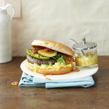Beefburger mit Senfsauce