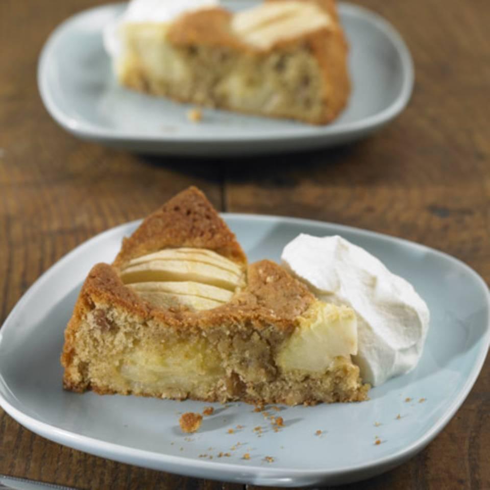 Schneller Apfel-Walnuss-Kuchen Rezept
