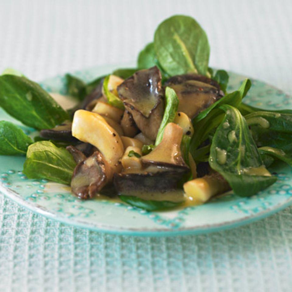 Feldsalat mit Pilzen