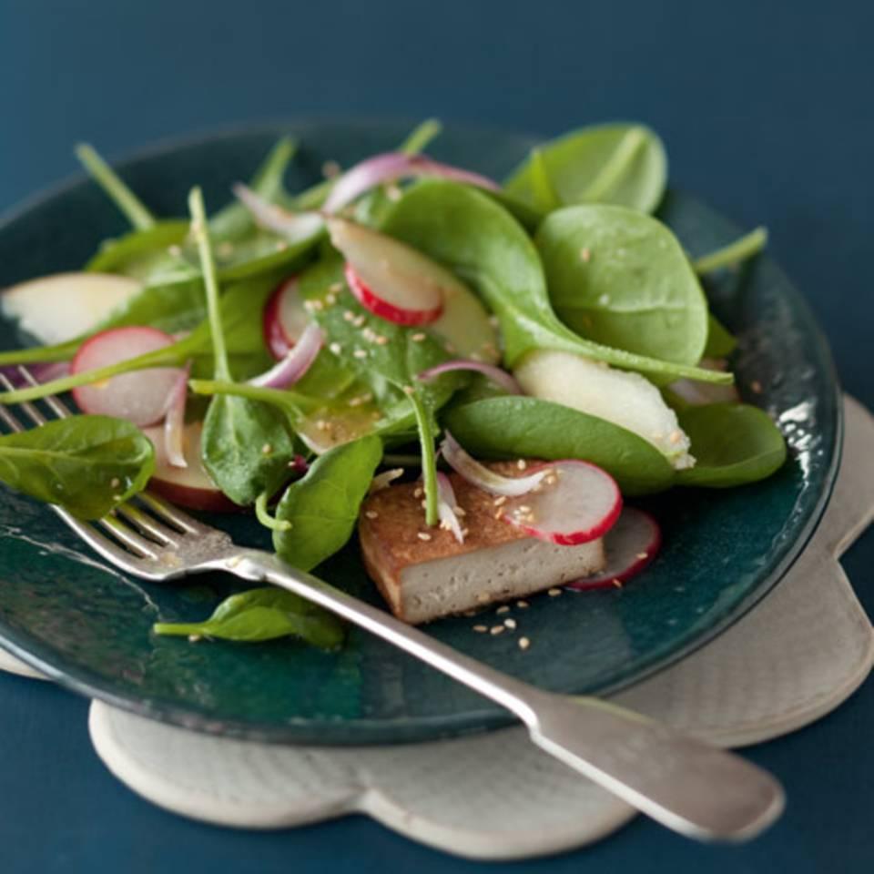 Spinatsalat mit mariniertem Tofu Rezept