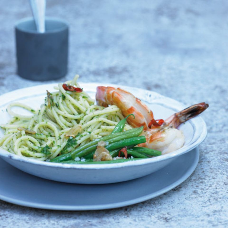 Pasta mit Bohnenkraut und Garnelen