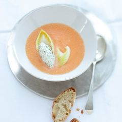 Melonensuppe mit Kerbelknödeln