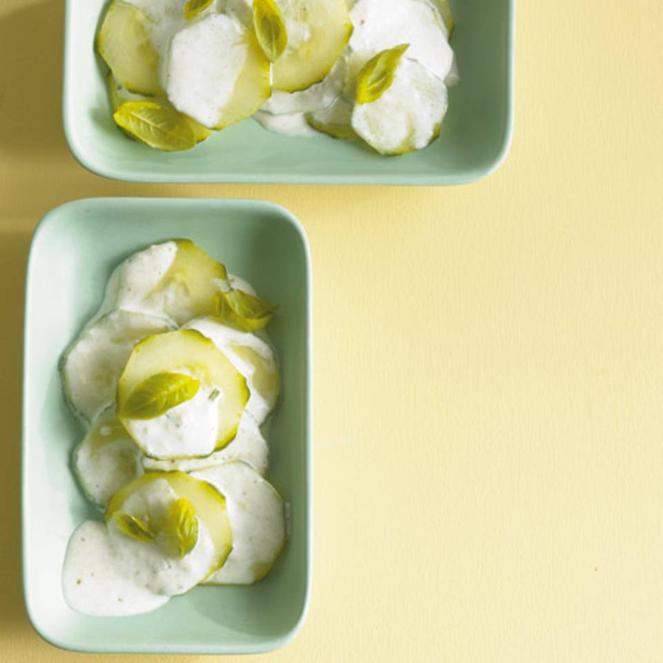 Gurken-Basilikum-Salat Rezept
