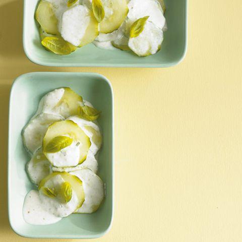 Gurken-Basilikum-Salat