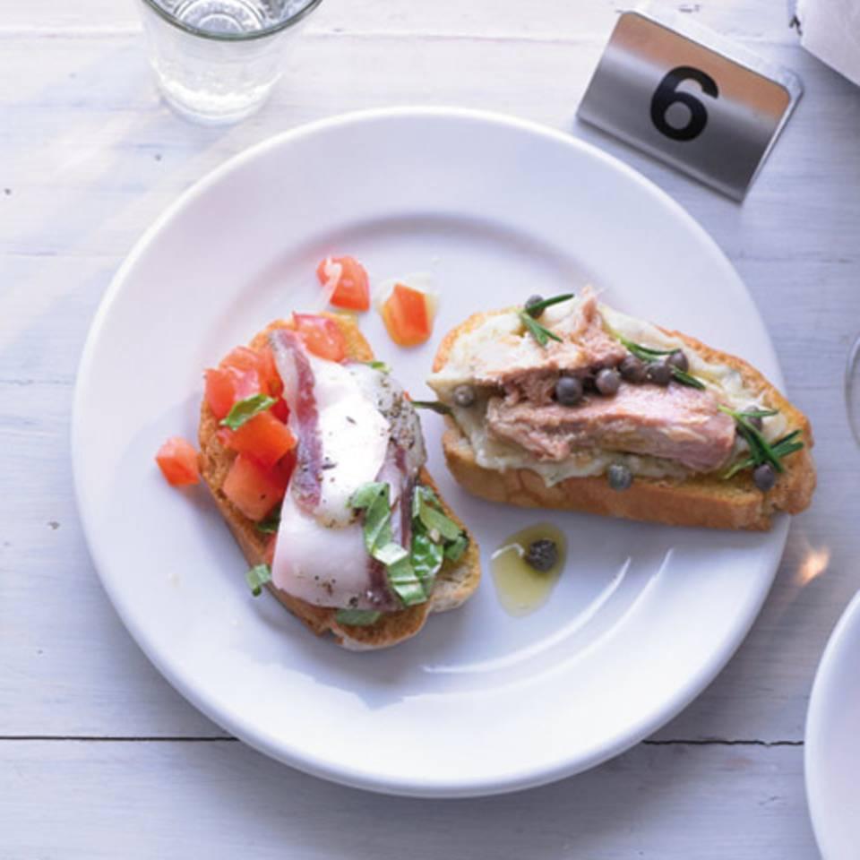 Bruschette mit Bohnen und Thunfisch Rezept