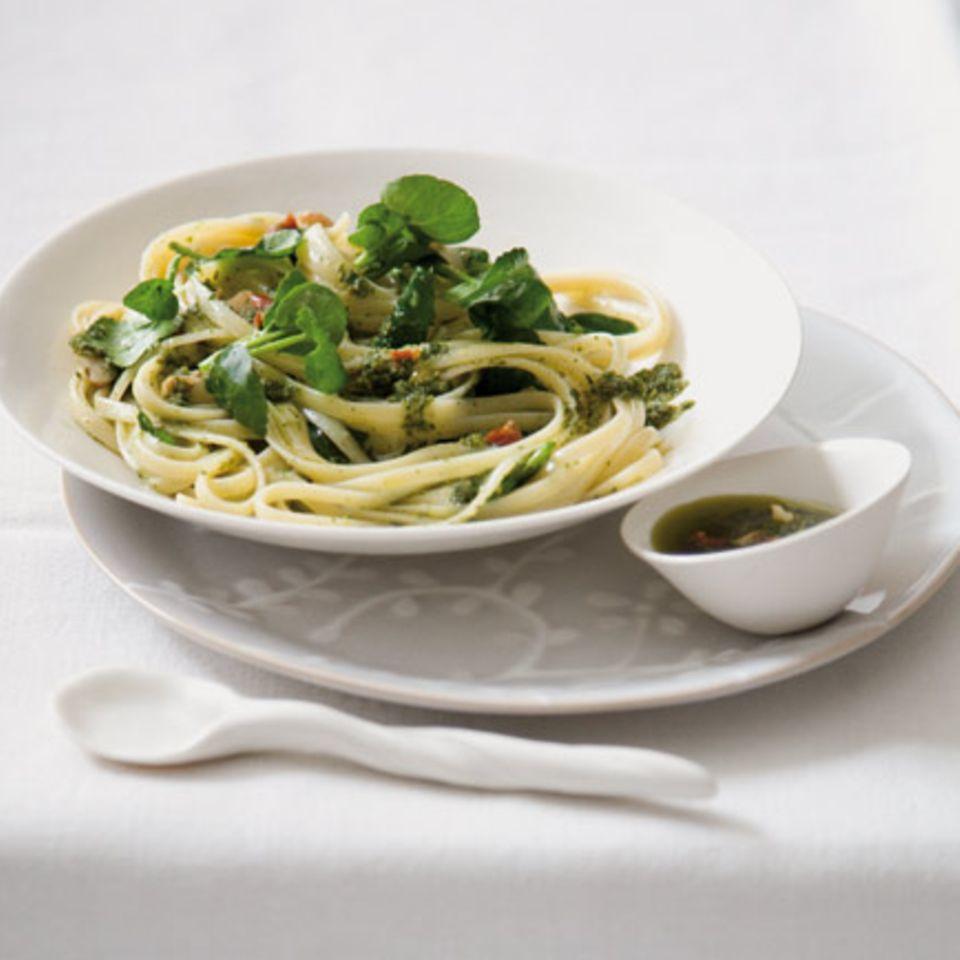 Pasta mit Brunnenkresse-Pesto