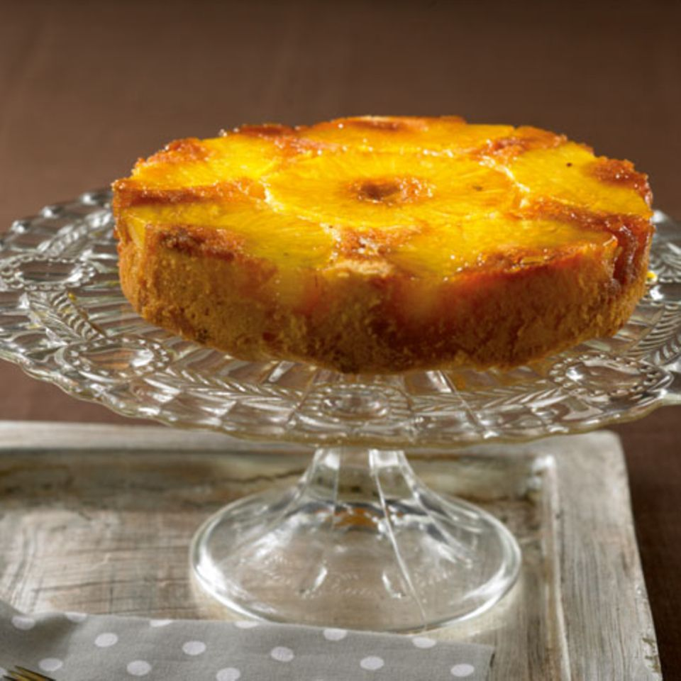 Weißer Schoko-Ananas-Kuchen