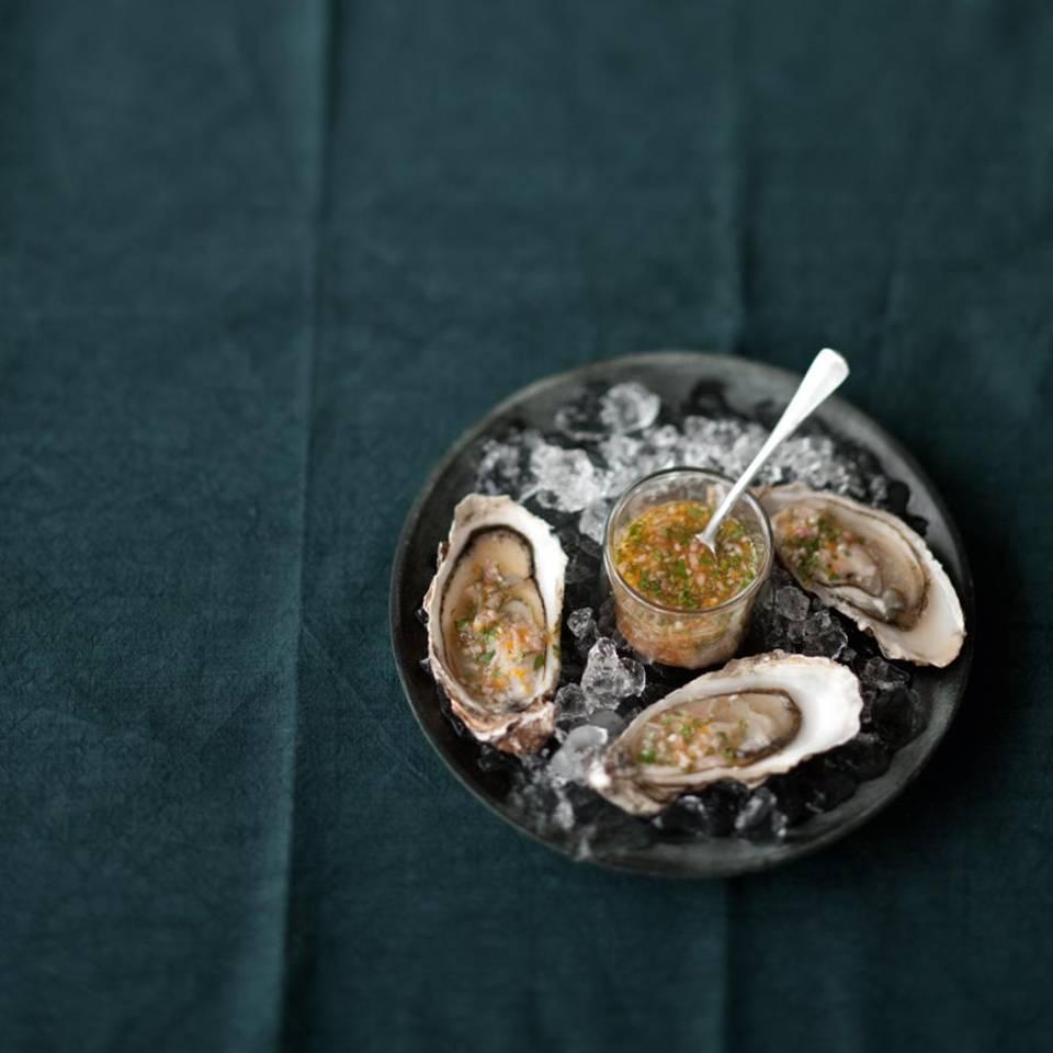 Austern mit Bitterorangen-Vinaigrette Rezept