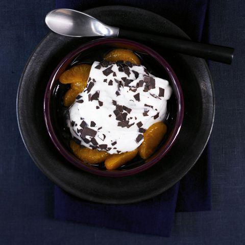 Stracciatella-Quark mit Mandarinen