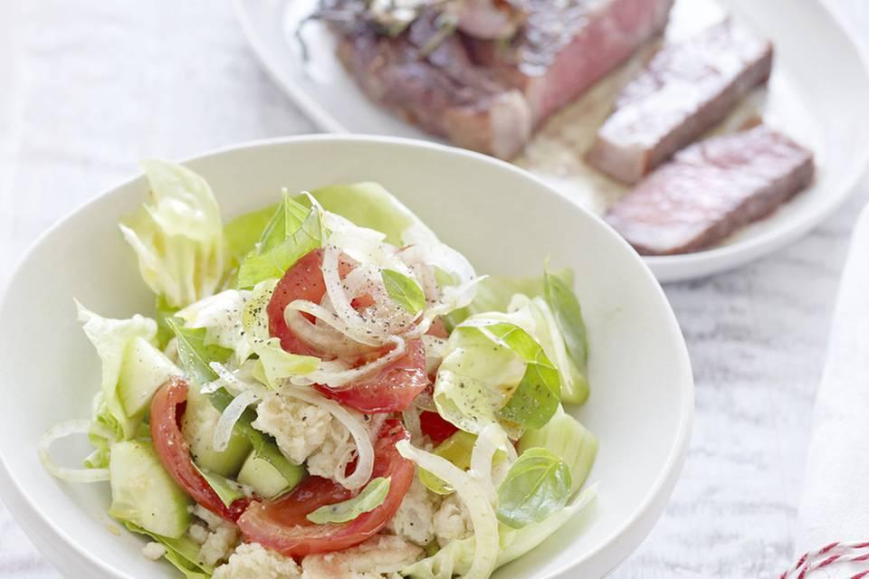 Toskanischer Brotsalat mit Kopfsalat und Schmortomaten Rezept