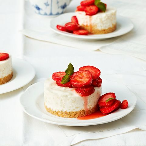 Milchreistörtchen mit Erdbeeren