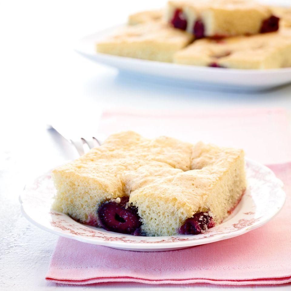 Eierlikör-Kirsch-Kuchen