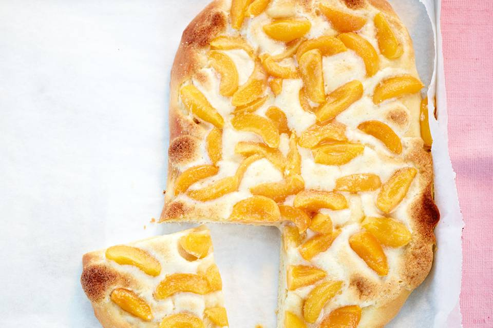 Aprikosen-Hefekuchen Rezept