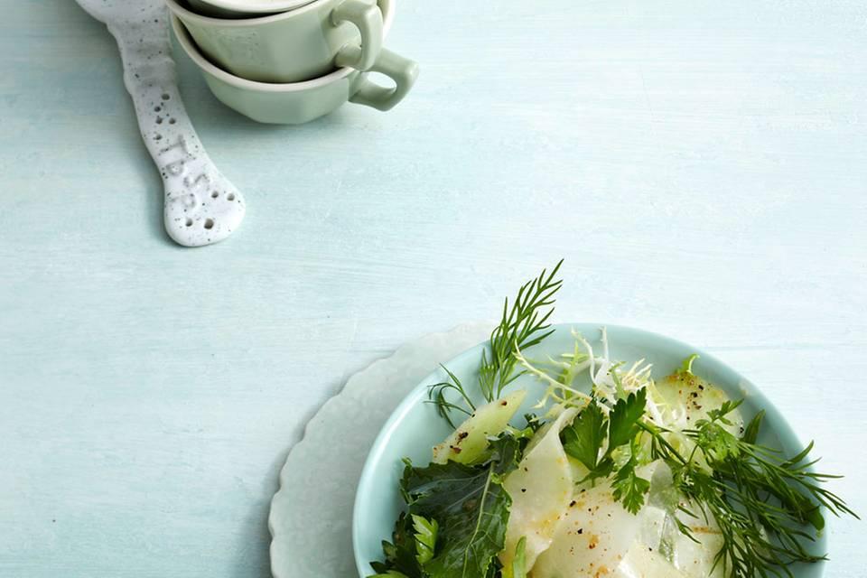Marinierter Kohlrabi-Kräuter-Salat Rezept