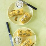 Maiskolben mit Cheddar-Butter