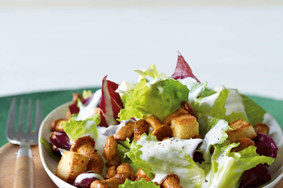 Pfifferling-Caesar-Salat Rezept