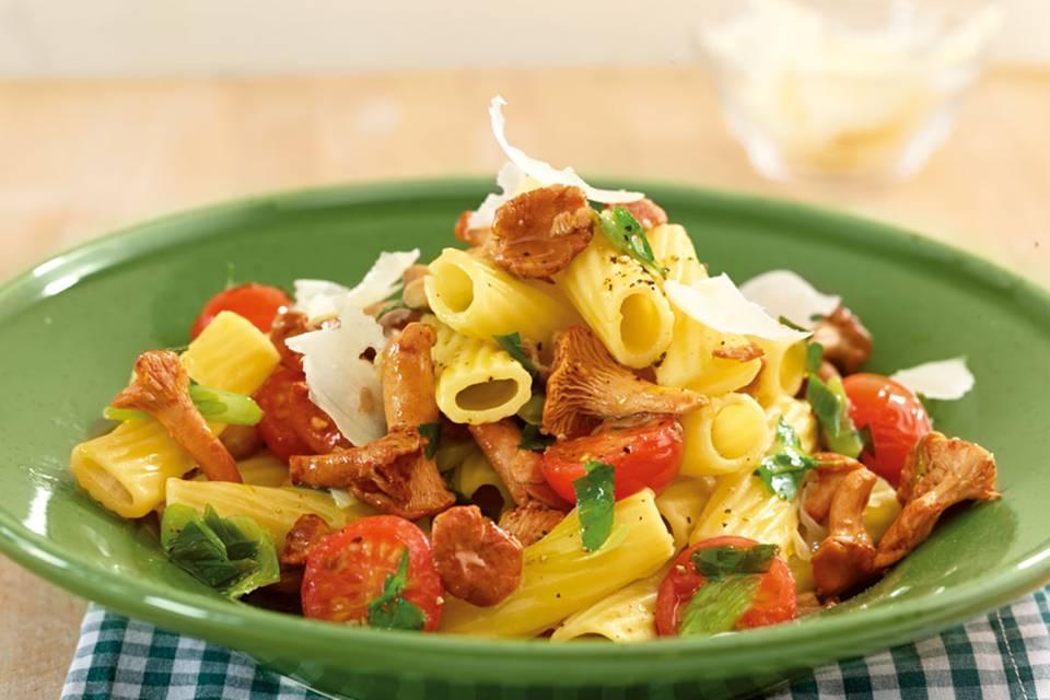 Pfifferling-Tomaten-Nudeln Rezept