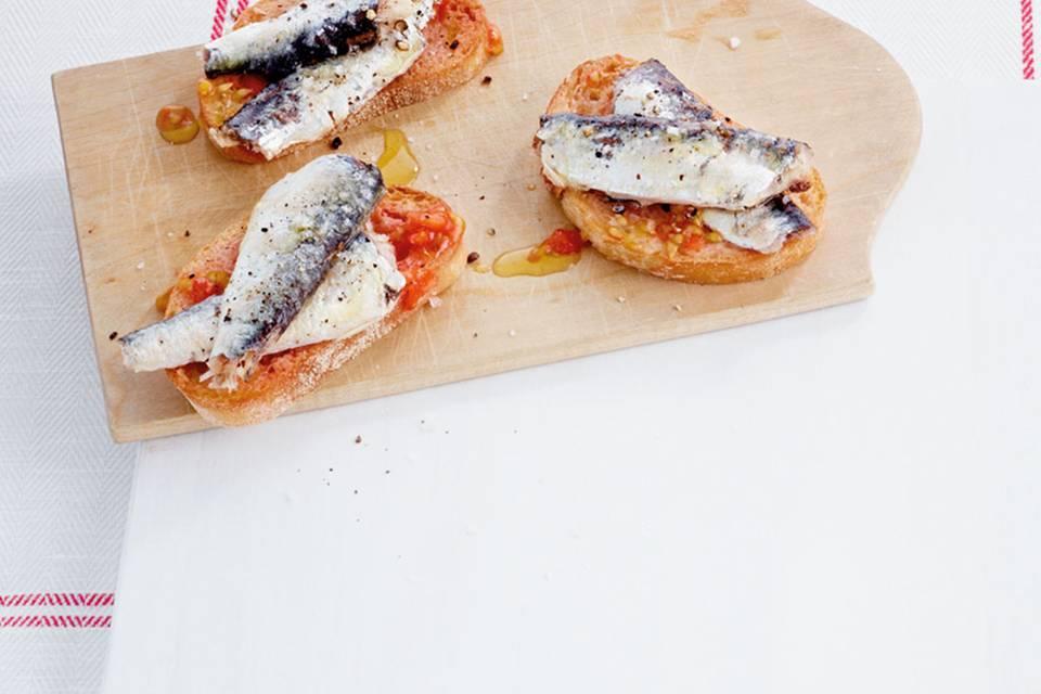 Crostini mit Sardine-Tomate Rezept
