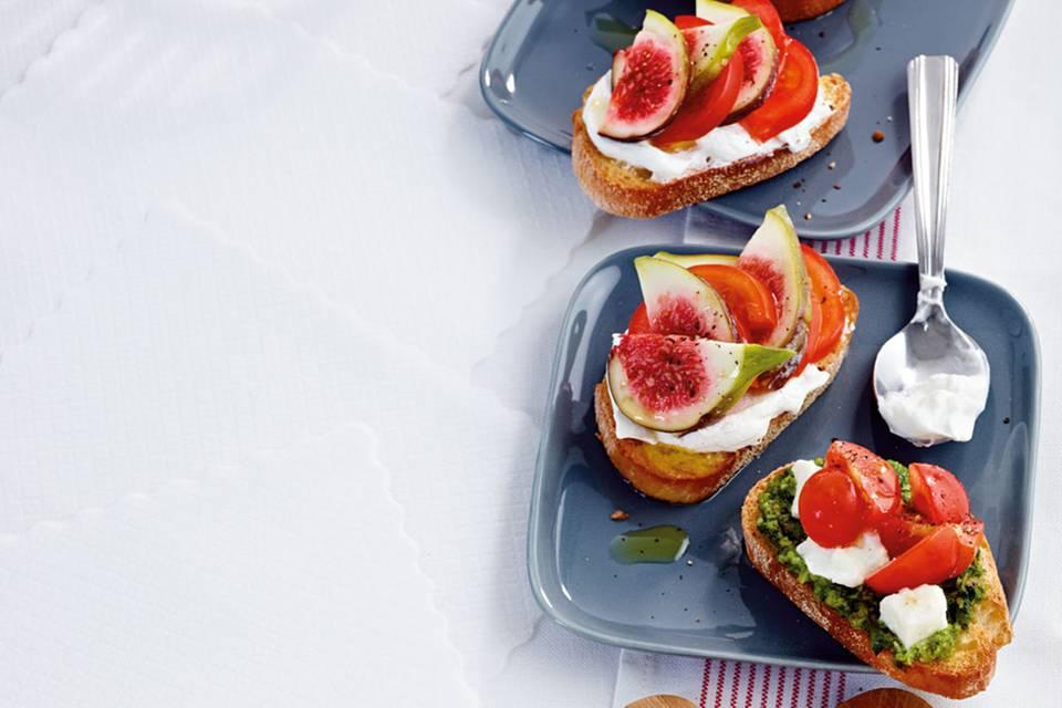 Crostini mit Mozzarella-Tomate-Pesto Rezept