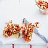 Crostini mit Bohnen-Tomate