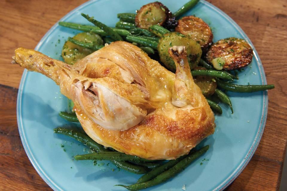 Halbe Hähnchen mit lauwarmem Kartoffel-Bohnen-Salat Rezept