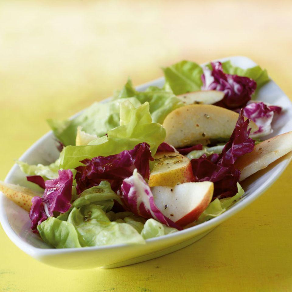 Blattsalat mit Birne