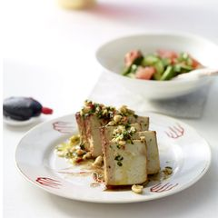 Tofu mit Erdnuss-Dressing