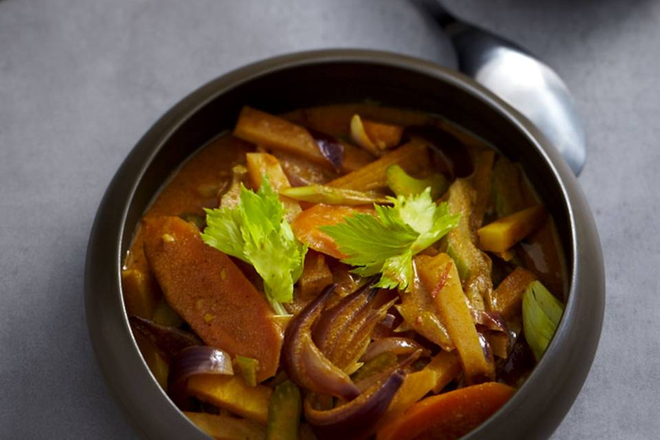 Möhren-Steckrüben-Curry Rezept