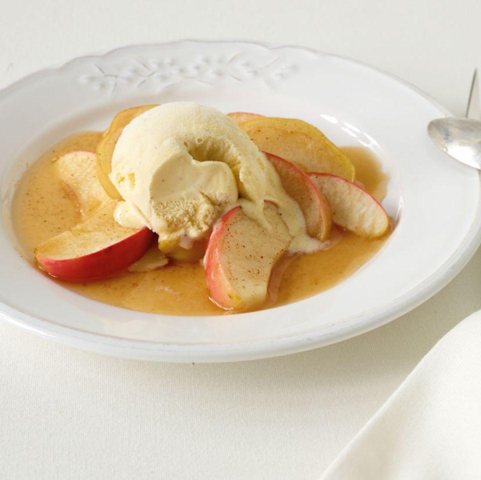 Zimtäpfel aus dem Ofen