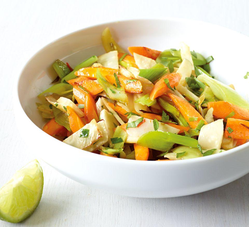 Knackig und lecker: Suppengrün aus der Pfanne