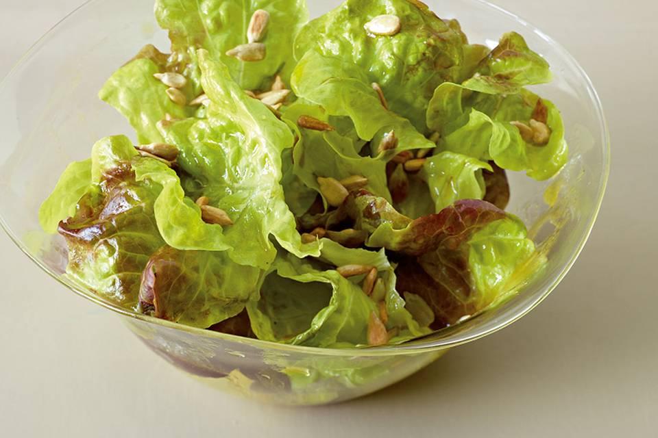 Eichblattsalat mit Apfelsaft-Dressing Rezept