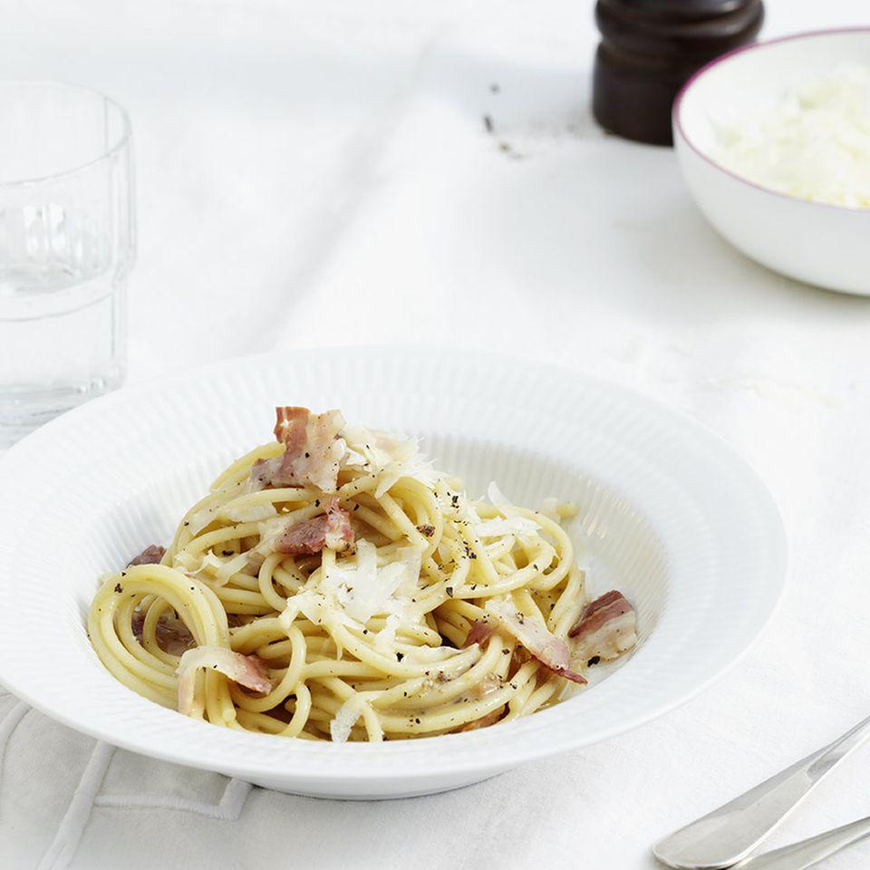 Spaghetti mit Pancetta und Pecorino