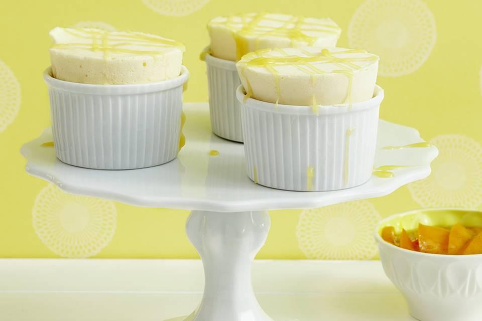 Zitronen-Parfait mit Mangokompott Rezept