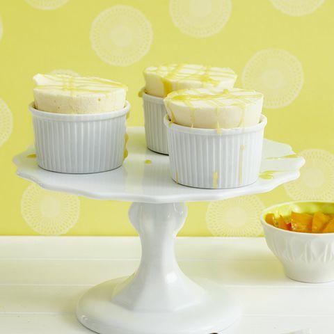 Zitronen-Parfait mit Mangokompott