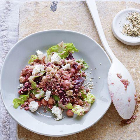 Bulgur-Salat mit Roter Bete und Kichererbsen