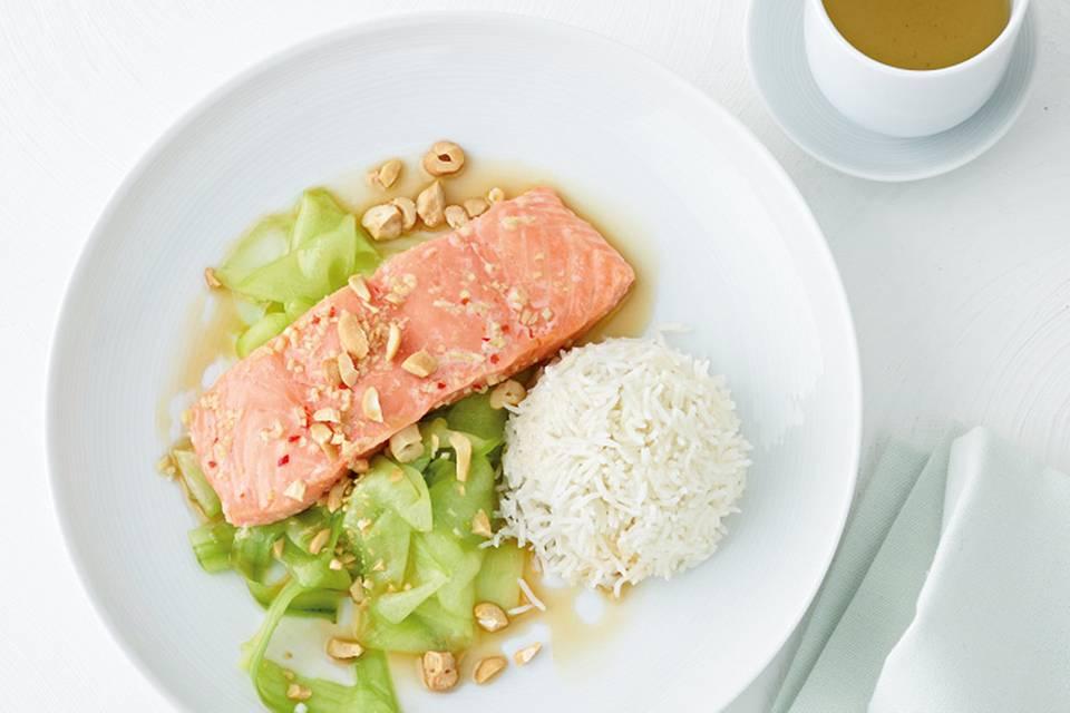 Asia-Lachs mit Gurkensalat Rezept