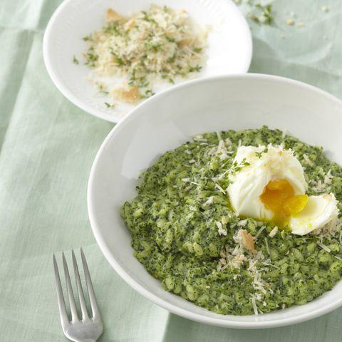 Brunnenkresse-Risotto mit pochiertem Ei