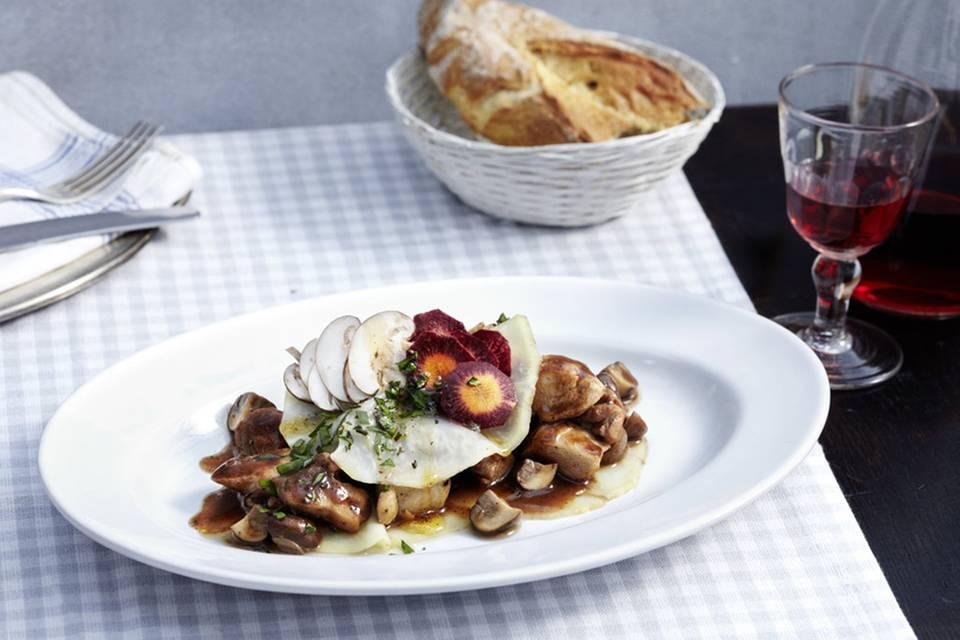 Geschmortes Bresse-Huhn mit Sellerie Rezept