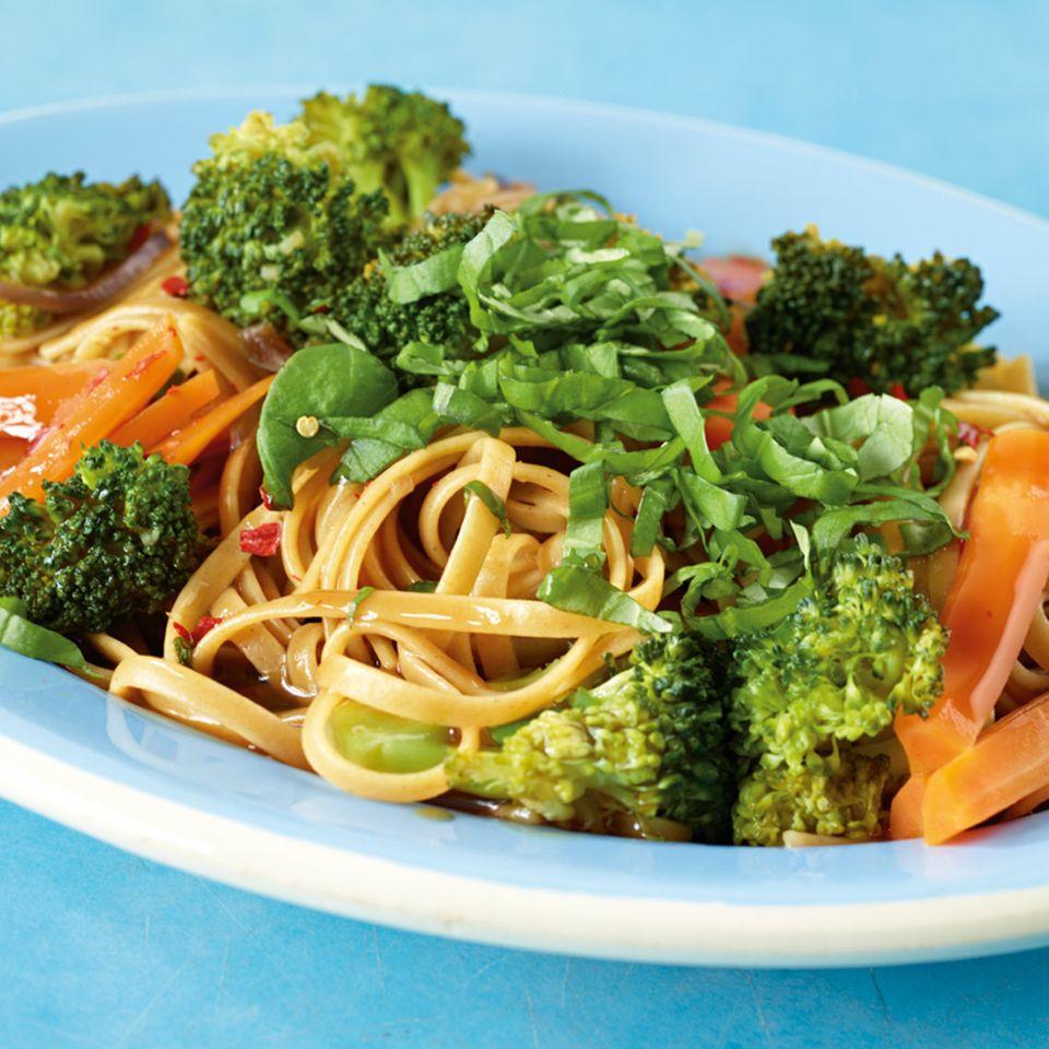 Asia-Gemüse-Linguine