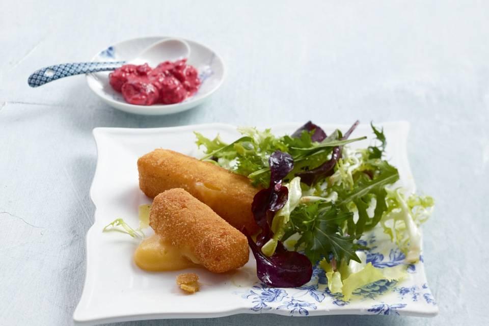 Salat mit Himbeer-Senf und Gouda-Sticks Rezept