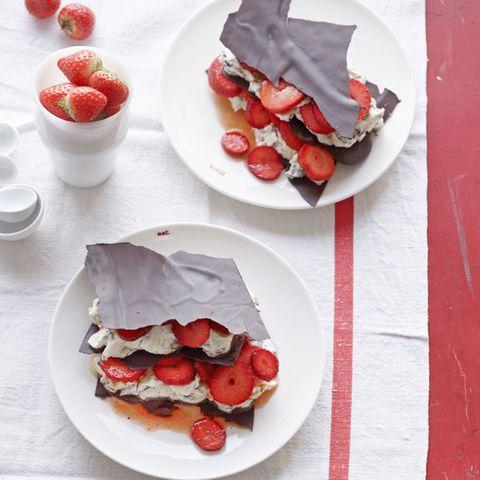 Erdbeer-Stracciatella-Lasagne